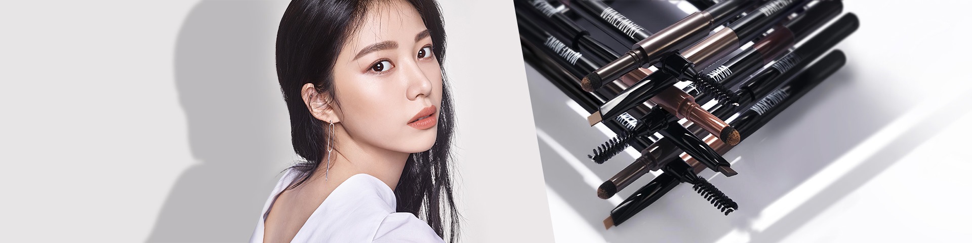 POWDER JET DUAL BROW 3-in-1 brow combining pencil, powder, and brush that has the delicacy of a pencil and the natural expression of powder